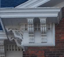 Italianate paired brackets